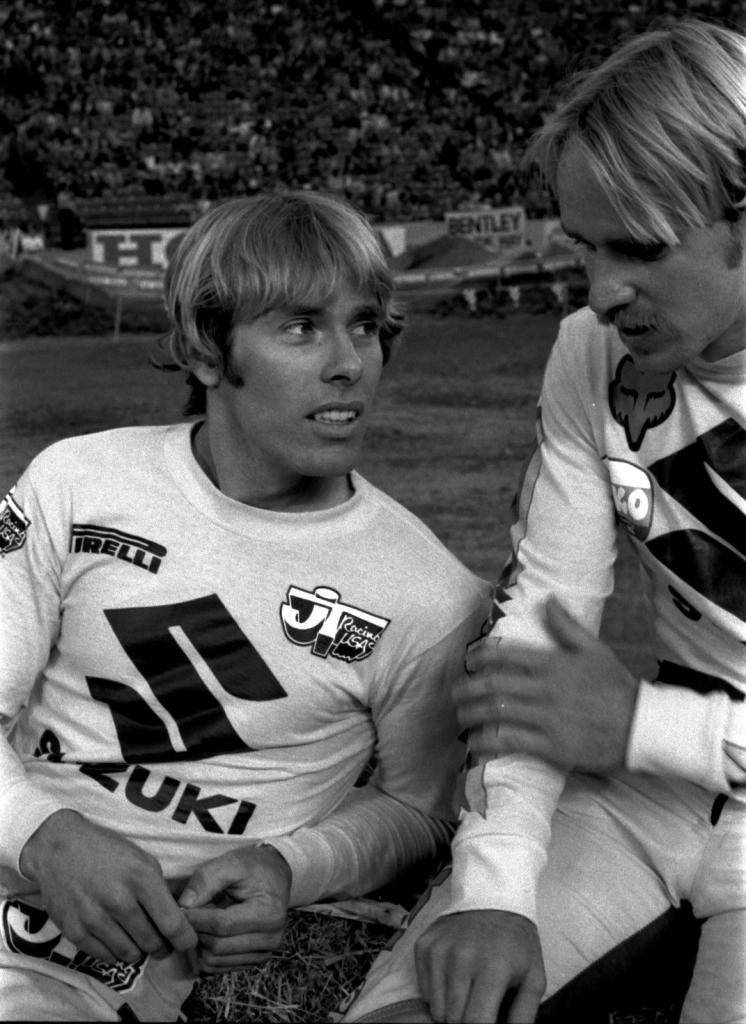 Kent Howerton and Mark Barnett - Suzuki Motocross - howerton-008